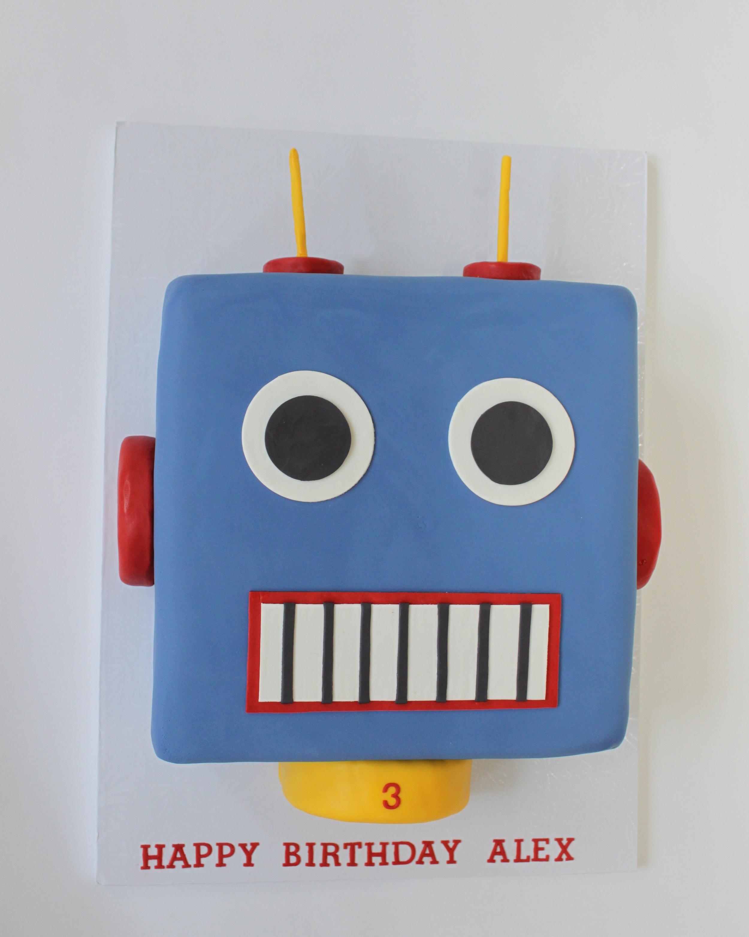 Retro Robot cake 9827 (1).jpg