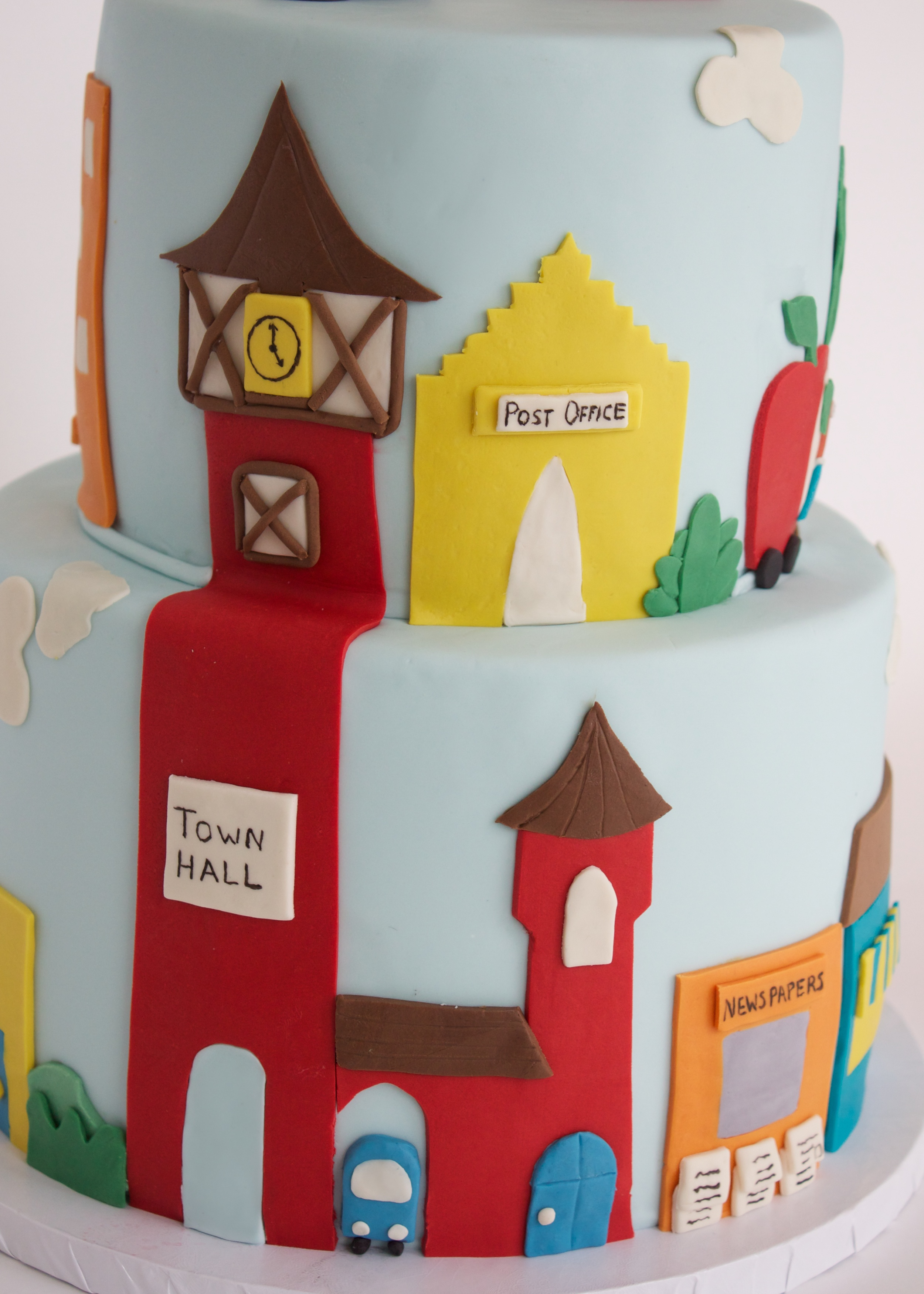 busy town cake side view 1.jpg