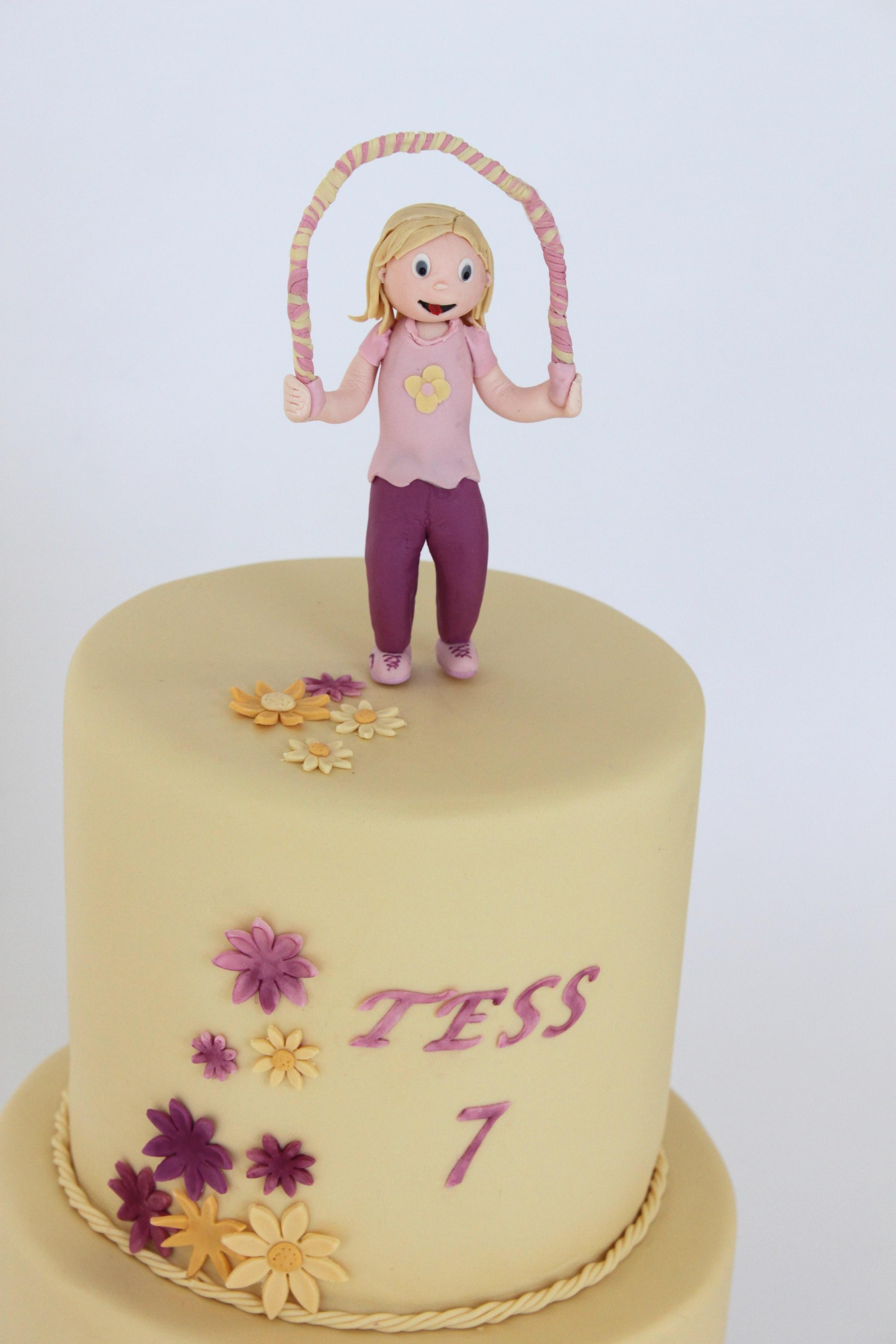 spring jump rope cake figure 8948.jpg
