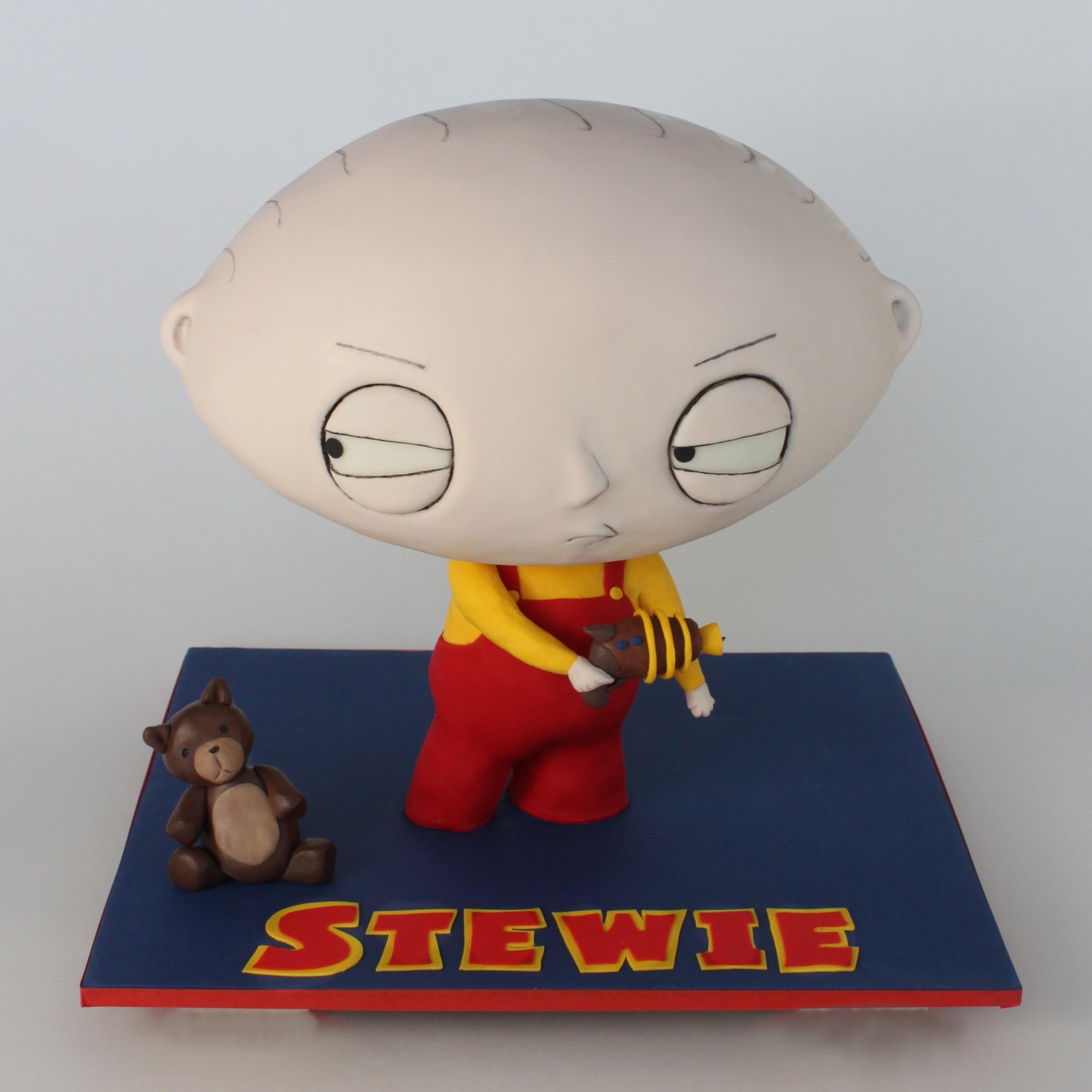 Village Cakecraft Stewie family guy 0691 nw.jpg