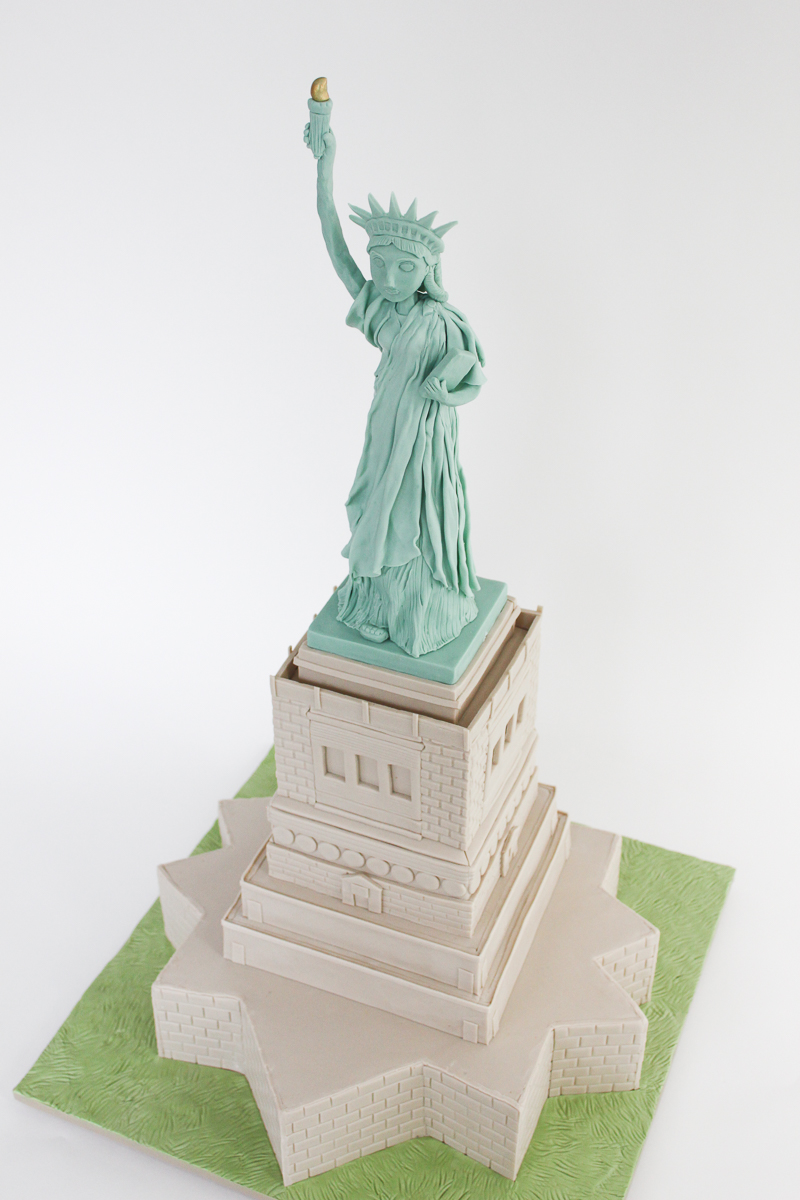 Statue of Liberty Cake_201-2.jpg