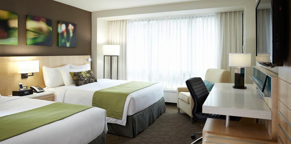 Holiday-Inn-H4-King-Room-Standard.jpg