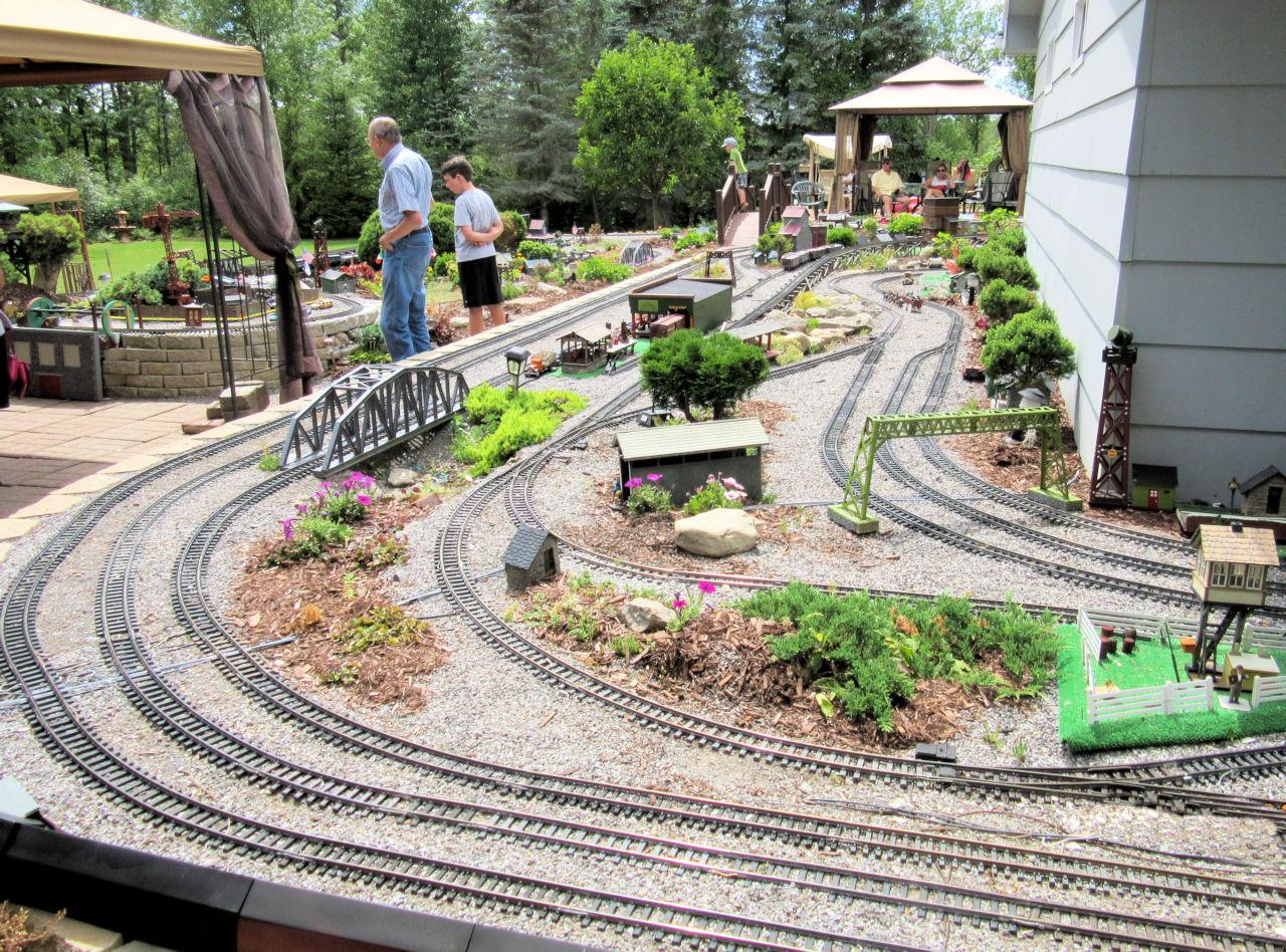 Genesee Shortline Railroad GRR Layout (4).JPG