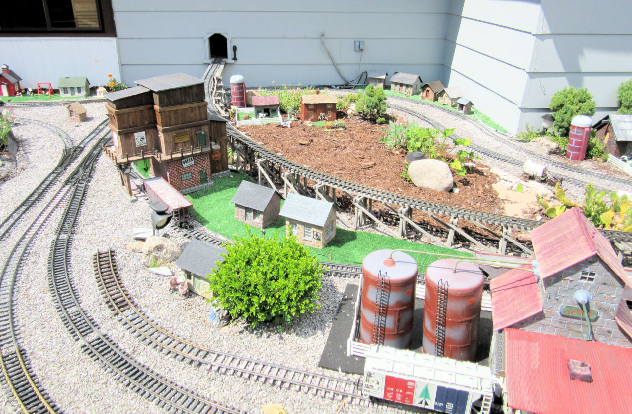 Genesee Shortline Railroad GRR Layout (7).JPG