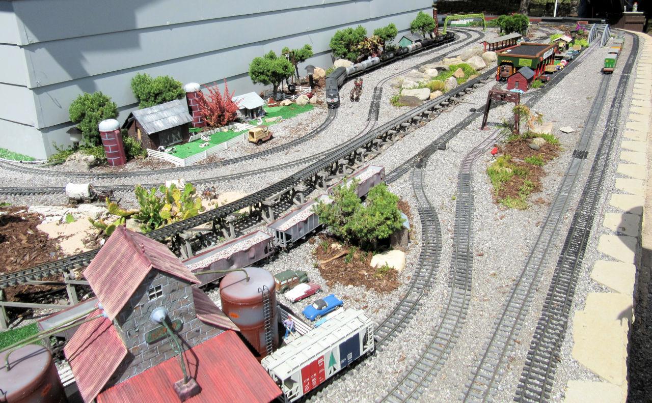 Genesee Shortline Railroad GRR Layout (8).JPG