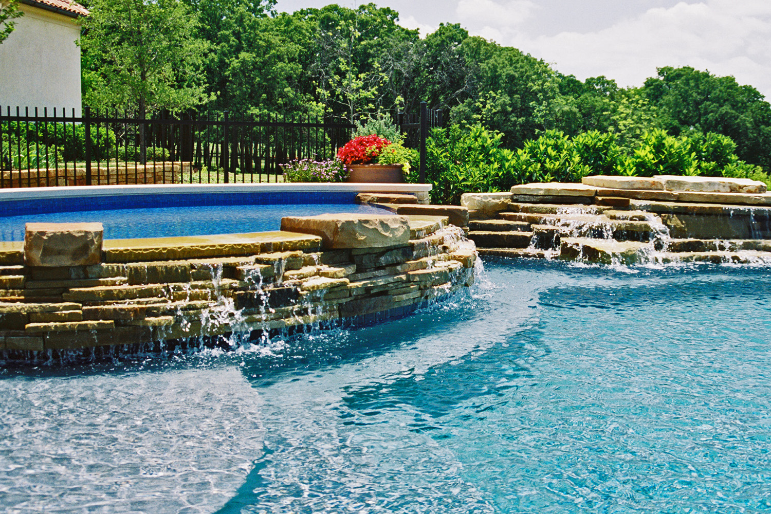 LUXURY SWIMMING POOLS - We specialize in the construction of luxury swimming pools, spas, fountains & water features that create a dramatic impact on your property and create a personal resort and oasis for you and your family.