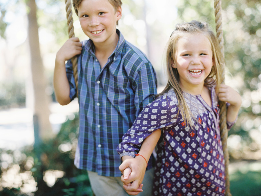los angeles family photographer-swingin-03a.jpg