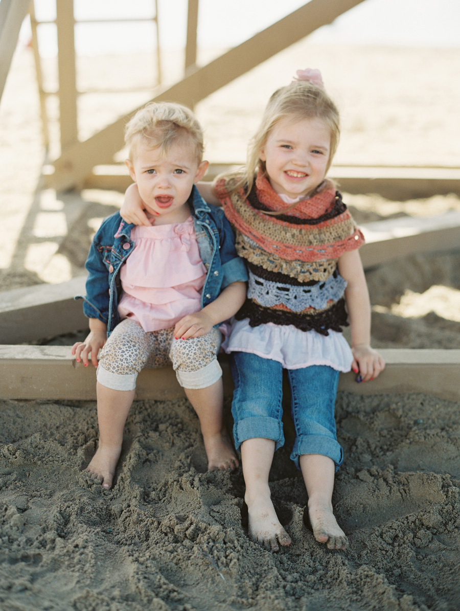 orange-county-family-photographer-victoria-oleary-day-at-the-beach-05.jpg