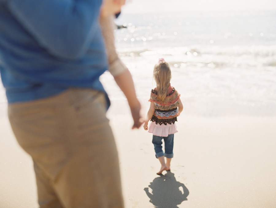 orange-county-family-photographer-victoria-oleary-day-at-the-beach-08.jpg