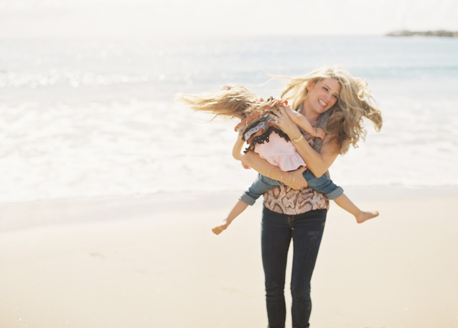 orange-county-family-photographer-victoria-oleary-day-at-the-beach-12.jpg