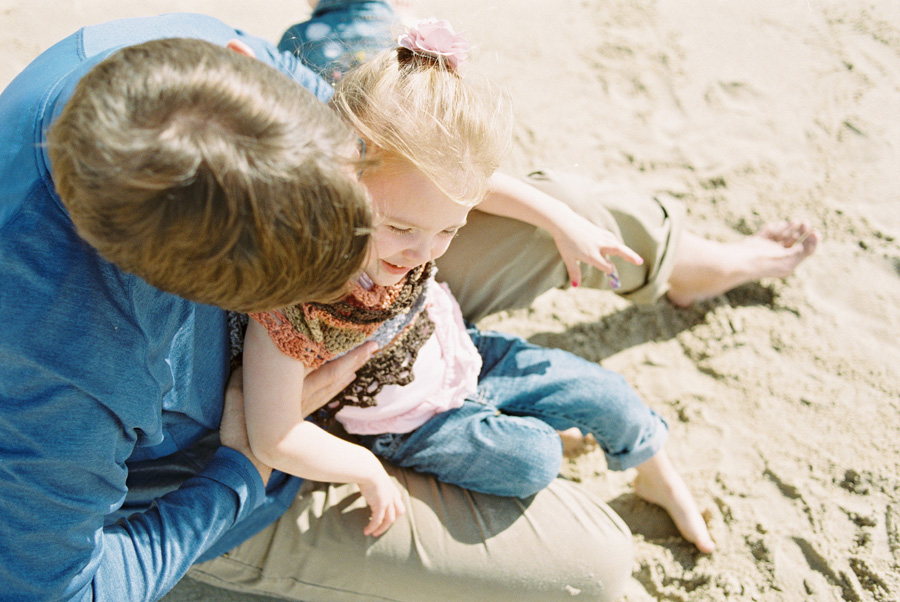 orange-county-family-photographer-victoria-oleary-day-at-the-beach-15.jpg