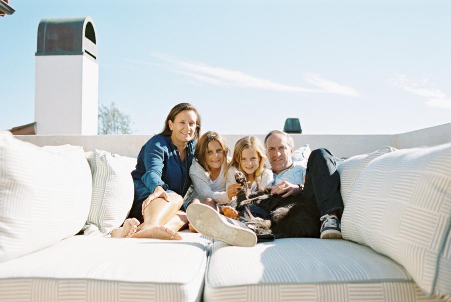 los-angeles-family-photographer-victoria-oleary-manhattan-beach-rooftop-2.jpg