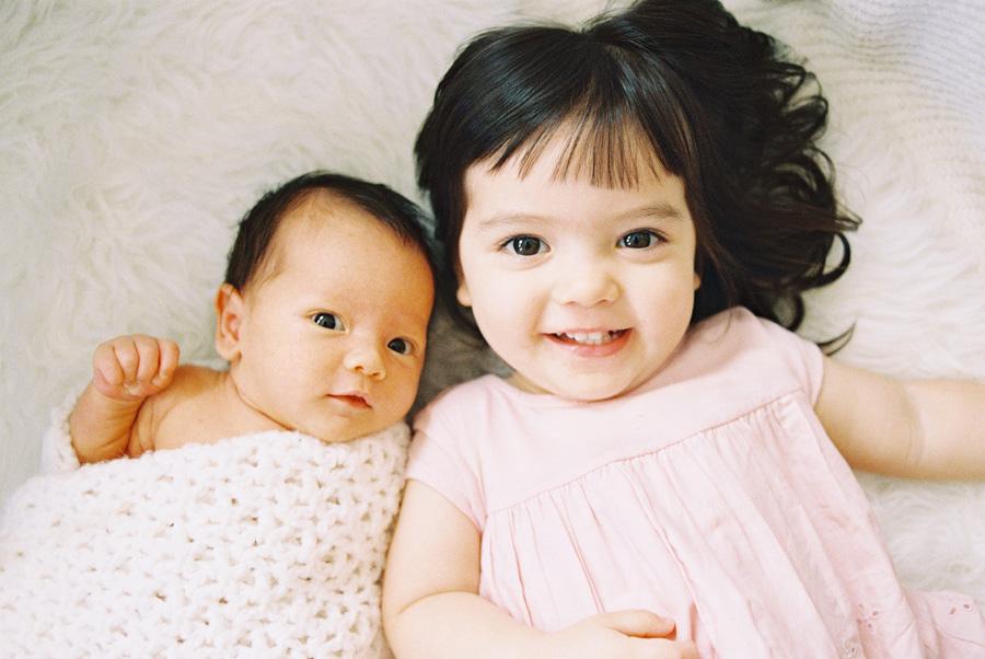orange-county-newborn-photographer-victoria-oleary-new-baby-family-shoot9.jpg