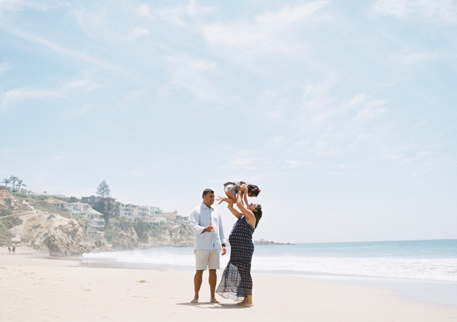 fun_loving_maternity_family_pictures_on_beach_victoria_oleary_orange_county_photographer_0.jpg