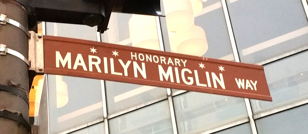 Marilyn Miglin Way - HonoraryChicago.  Oak Street Cosmetics Boutique.