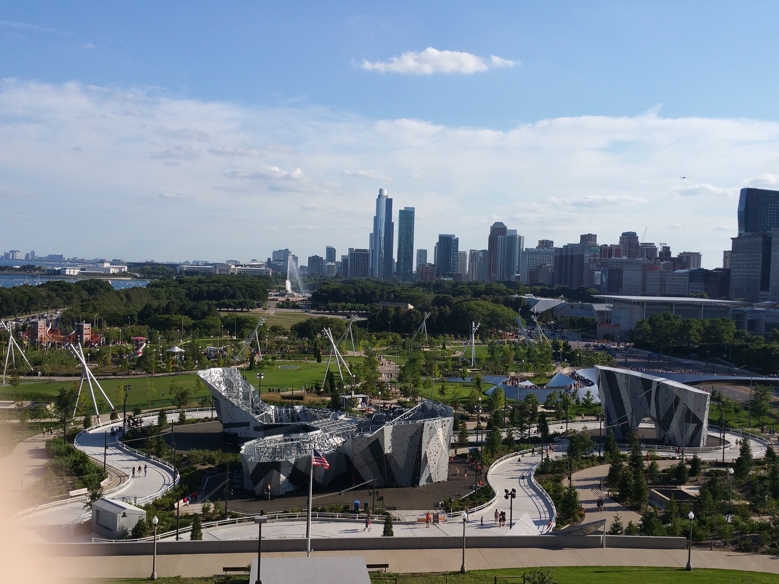 Millennium Park from the Northeast corner looking south with a view of Maggie Daley Park,Buckingham Fountain, the Modern Wing of the Art Institute, the Field Museum of Natural History, and the Shedd Aquarium.