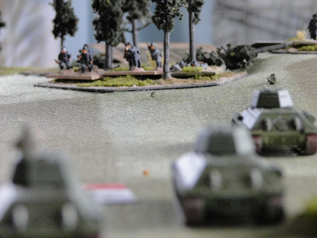 T34s engage Zug 2