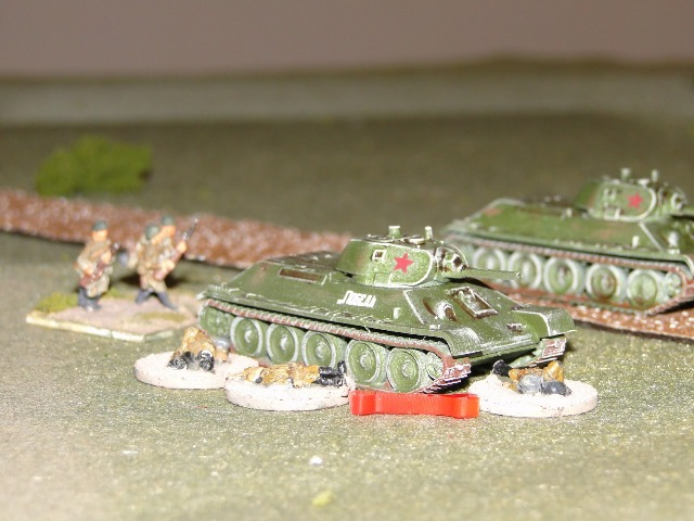 The StuGs only success, one bailed out T34. The eagle eyed will have spotted Zvezda T34s, also great value but early war only. I had to press them into service didn't have enough T34s!