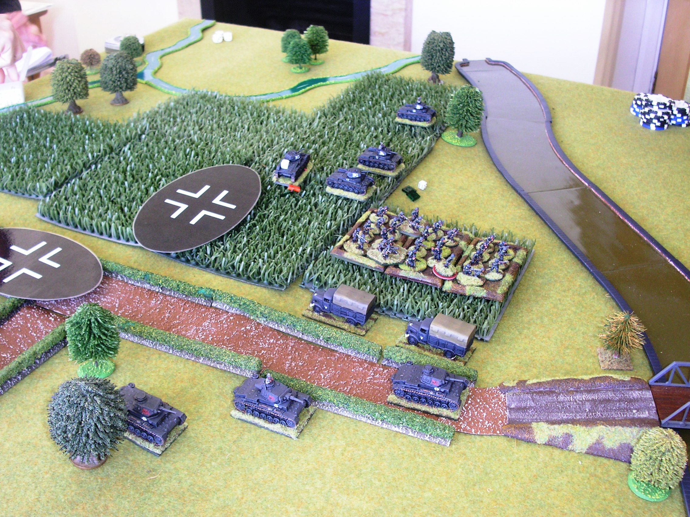 Up come the Panzer IIIs