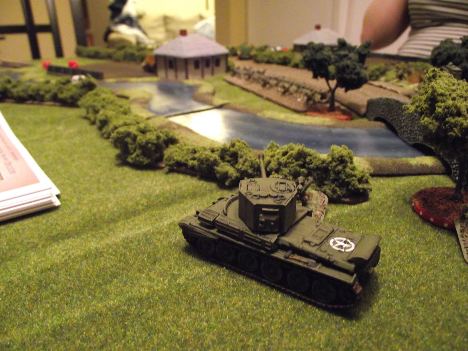 Challenger starts to look for targets and spots the Panzer IV at the junction.