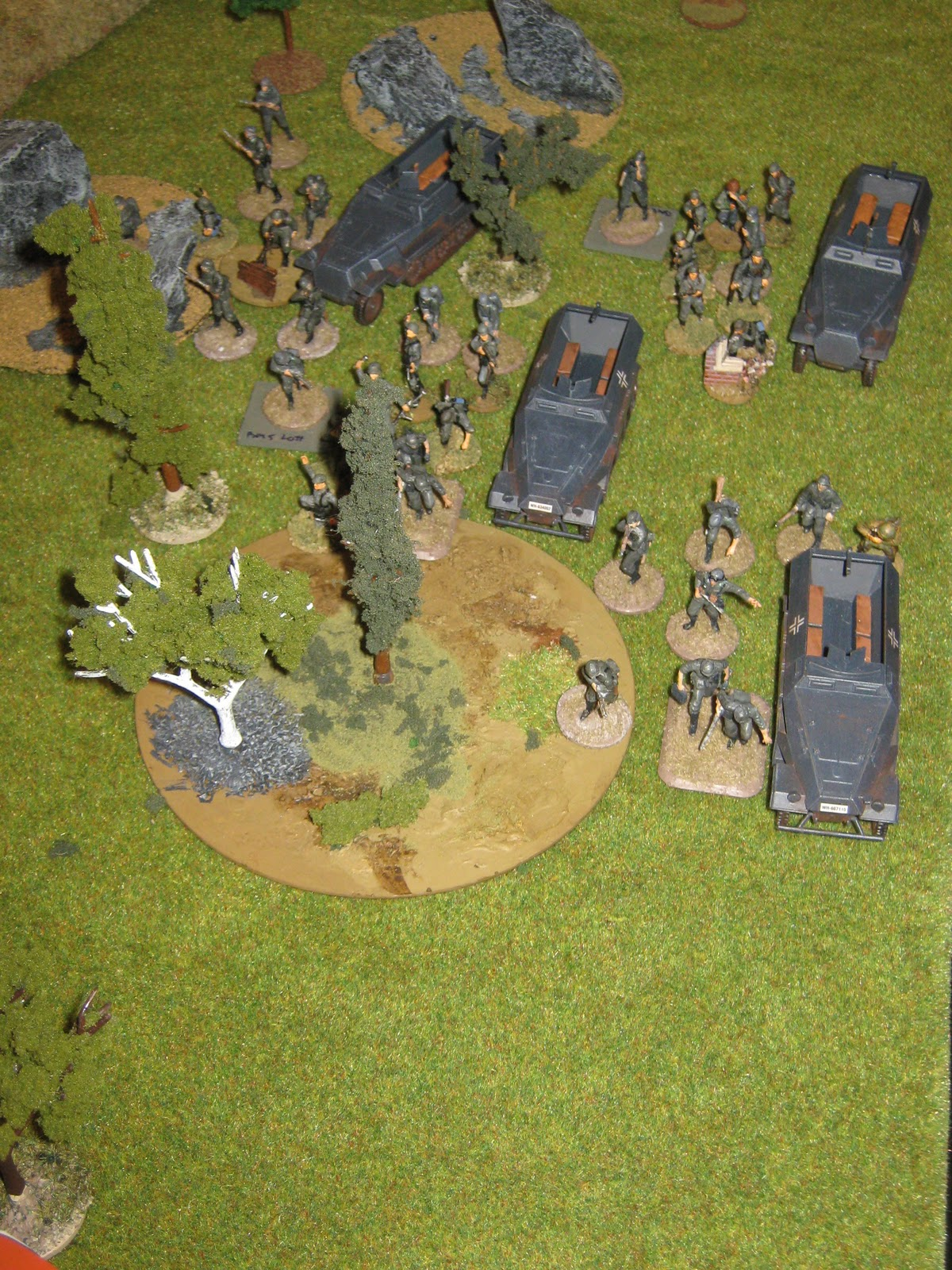 anzer grenadiers attack on the left flank. There's an AT-gun there, and a MG bunker. It was good to have a flame thrower.