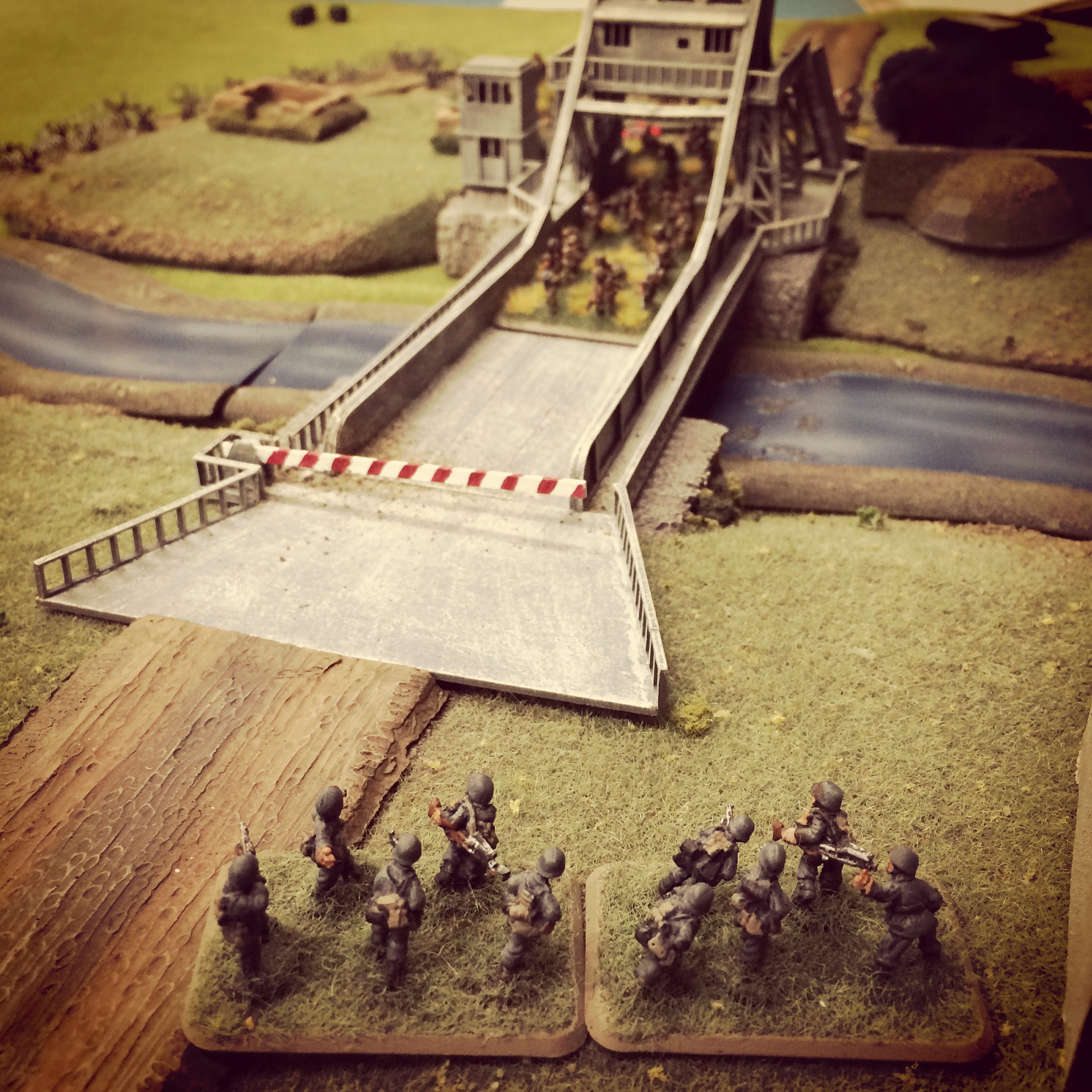 A thin line of Germans look to hold off the advancing British