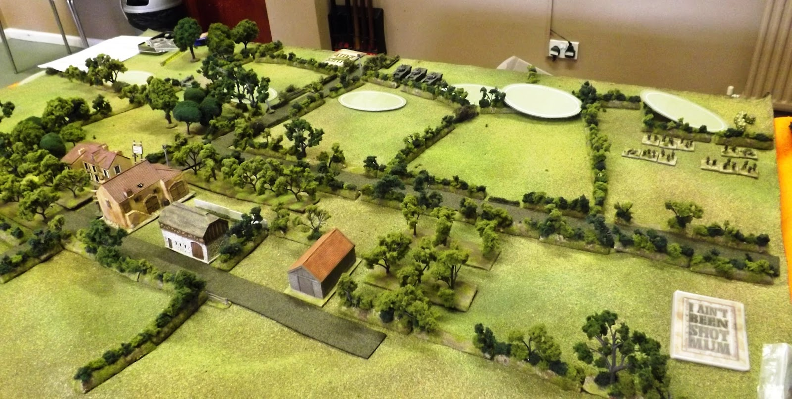 The lead British elements enter the table on blinds with the first platoons spotted by the German defenders visible