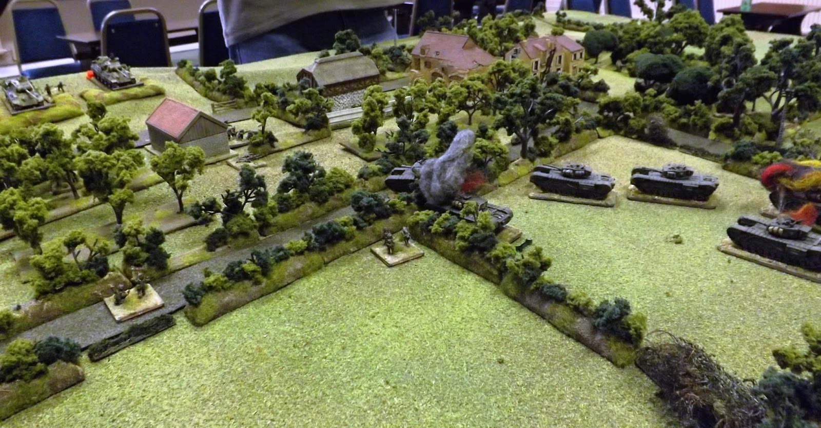 The Welsh have established a lodgement in the farm, clearing the MG nests, but the attacks stalls in the face of heavy casualties