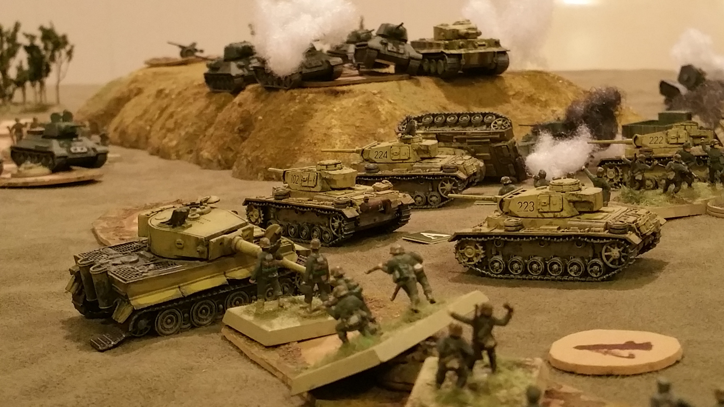 SS-PANZERs cracking under Guards attack