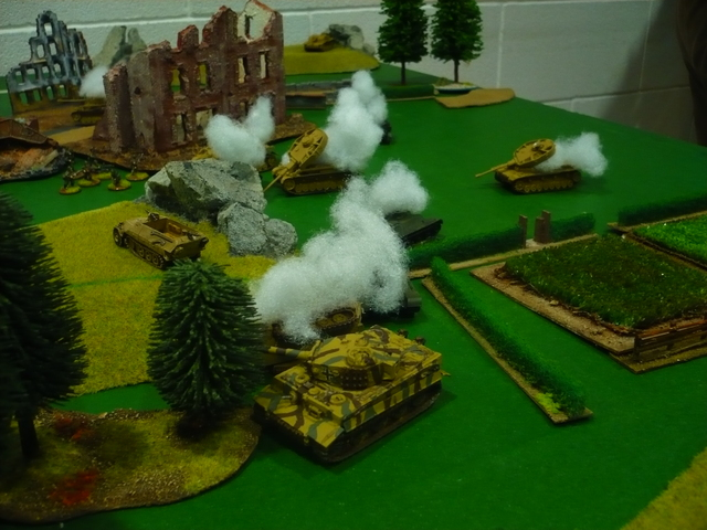 In the end, after many hours of combat, the game is declared a draw: the factory remains in the possession of the Russian infantry, but the flanks have been lost to the German armor, even if the loss of all their infantry will make it difficult for them to eject the Soviet infantry from the factory.