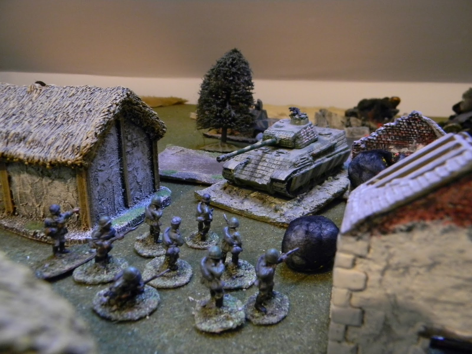 and discovers a Russian infantry unit in its path !