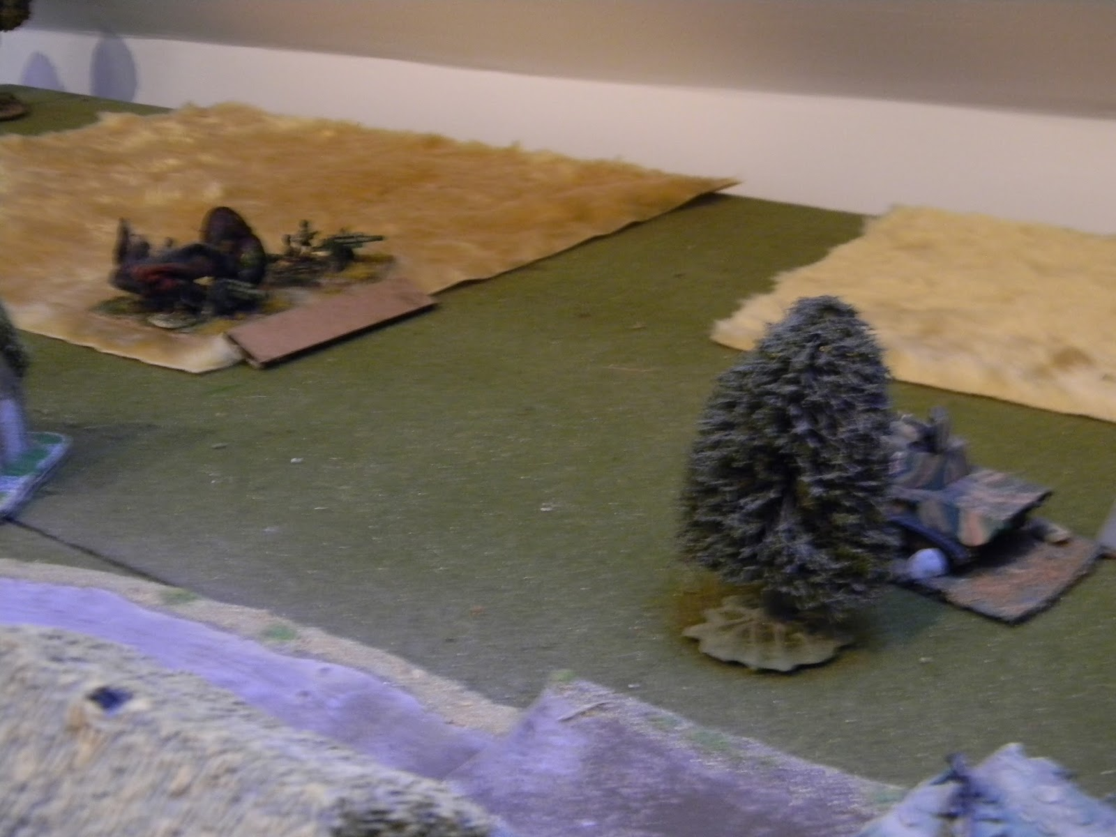 The German tank commander has dashed forwards to engage the remaining enemy anti-tank gun.