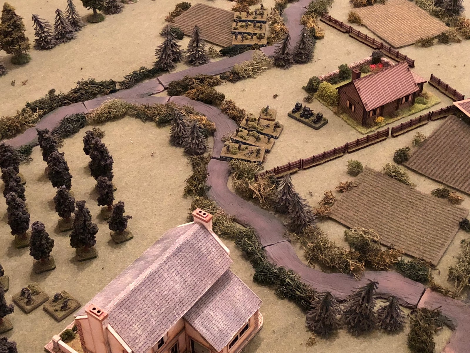 And as the German infantry continue to push west, Sgt Osswald's mortars get set up (bottom left, nest to the Chateau), and he takes off on his motorcycle to see if he can spot some targets (centre top right, just left of the Farm and right of SSgt Mader's 4th Platoon.