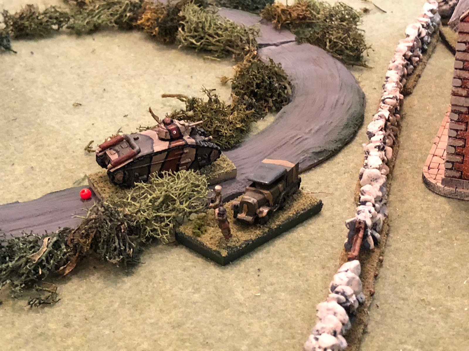 Back in the west, Major Renaut moves over and rallies Sgt Guillaume's crew back into the fight...