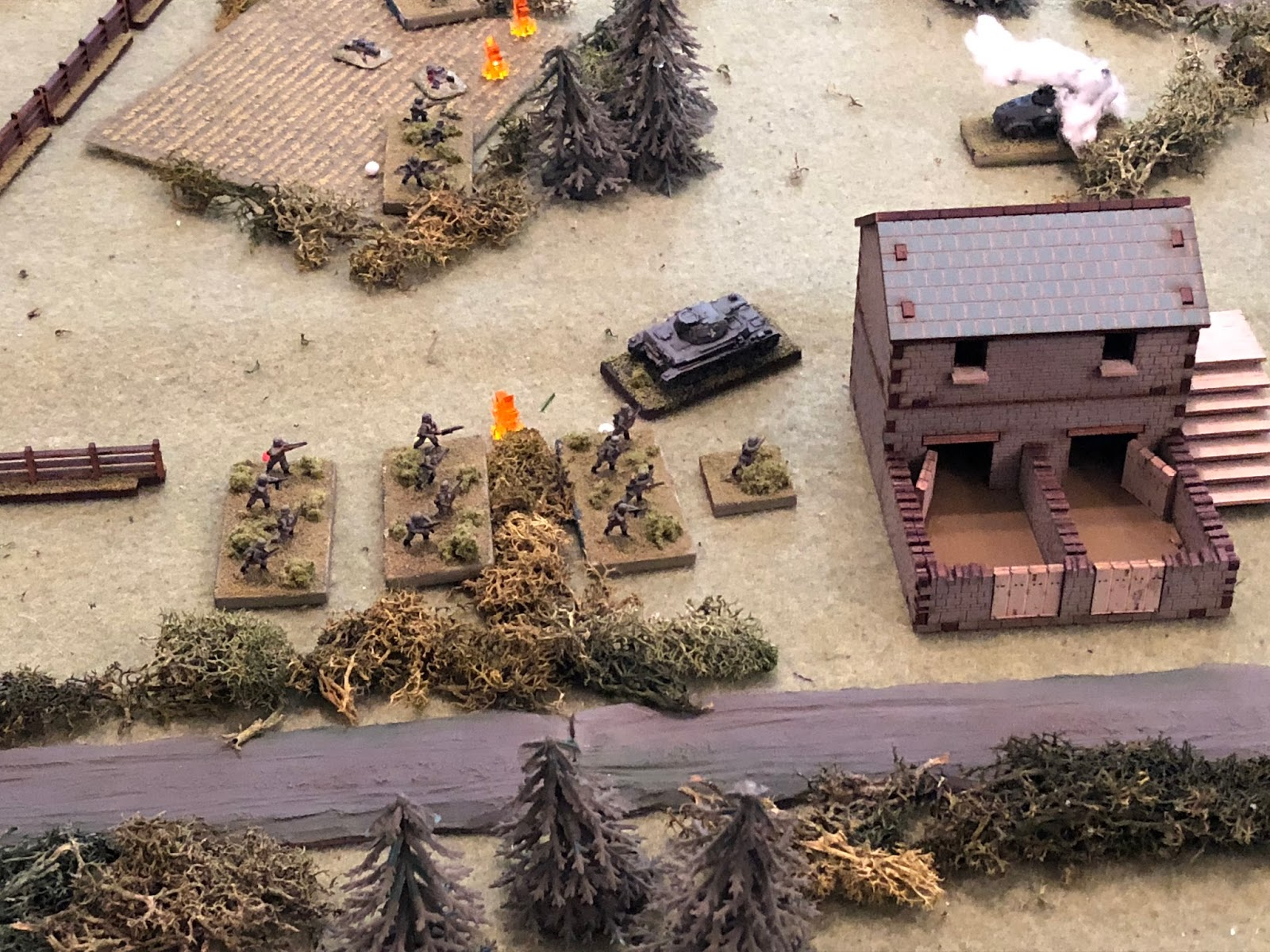 In the center, Cpl Rausch maneuvers his Pz IV to the south side of the Granary, between 4th Platoon (top left) and 3rd Platoon (centre).