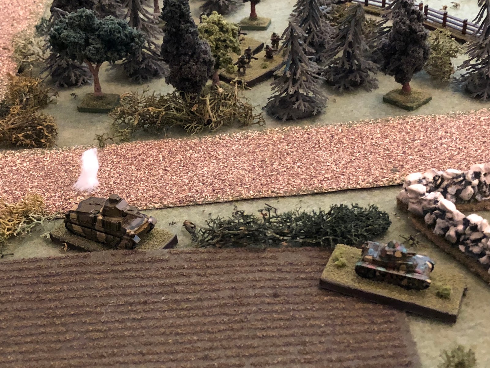 Just missing the southern Somua (left)...  The H39 commander (bottom right) looks on anxiously, and the French 2nd Platoon (top center) decides it's maybe not so bad being totally ensconced in the woods.