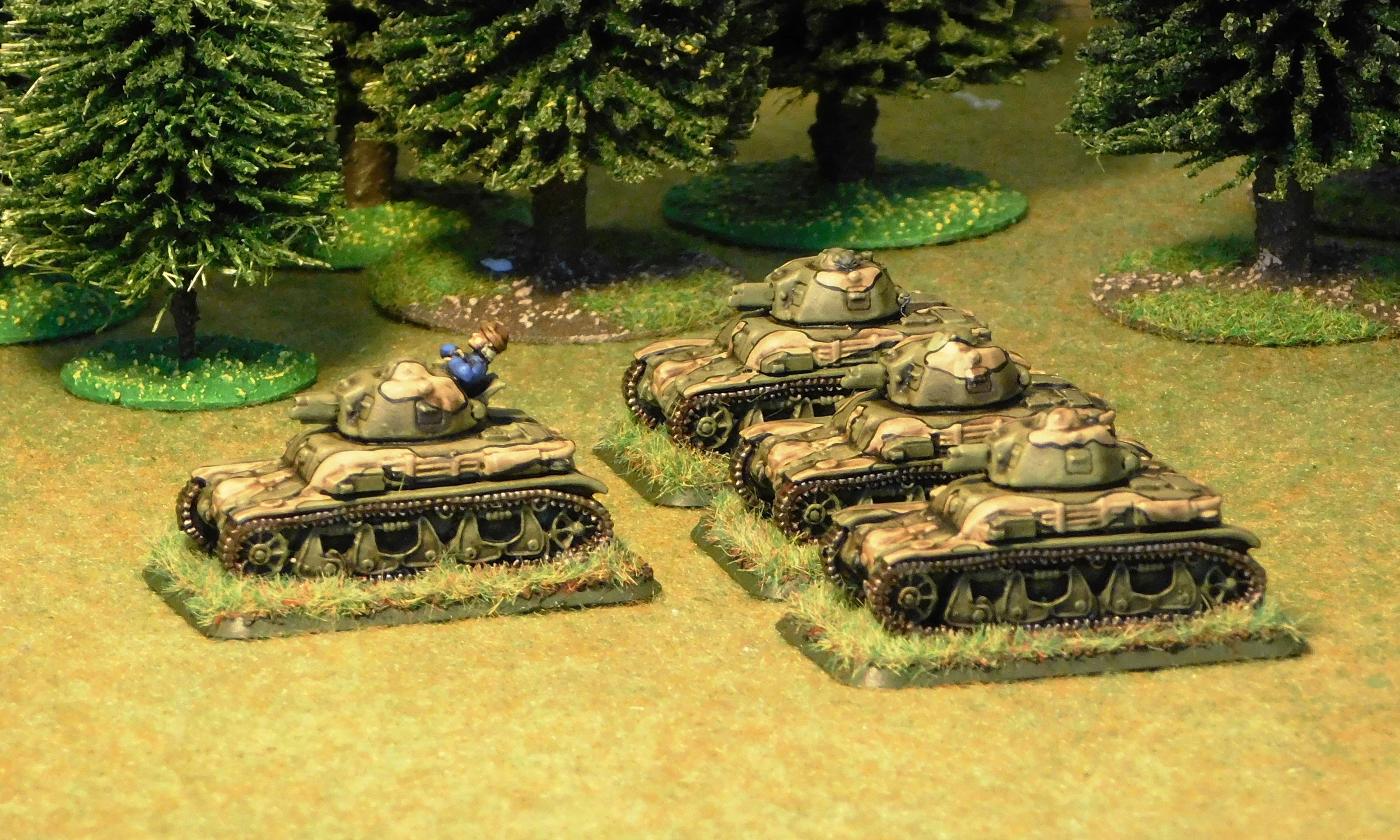Some rather colourful R-35's from a supporting GBC ( Groupe de Bataillons de Chars)