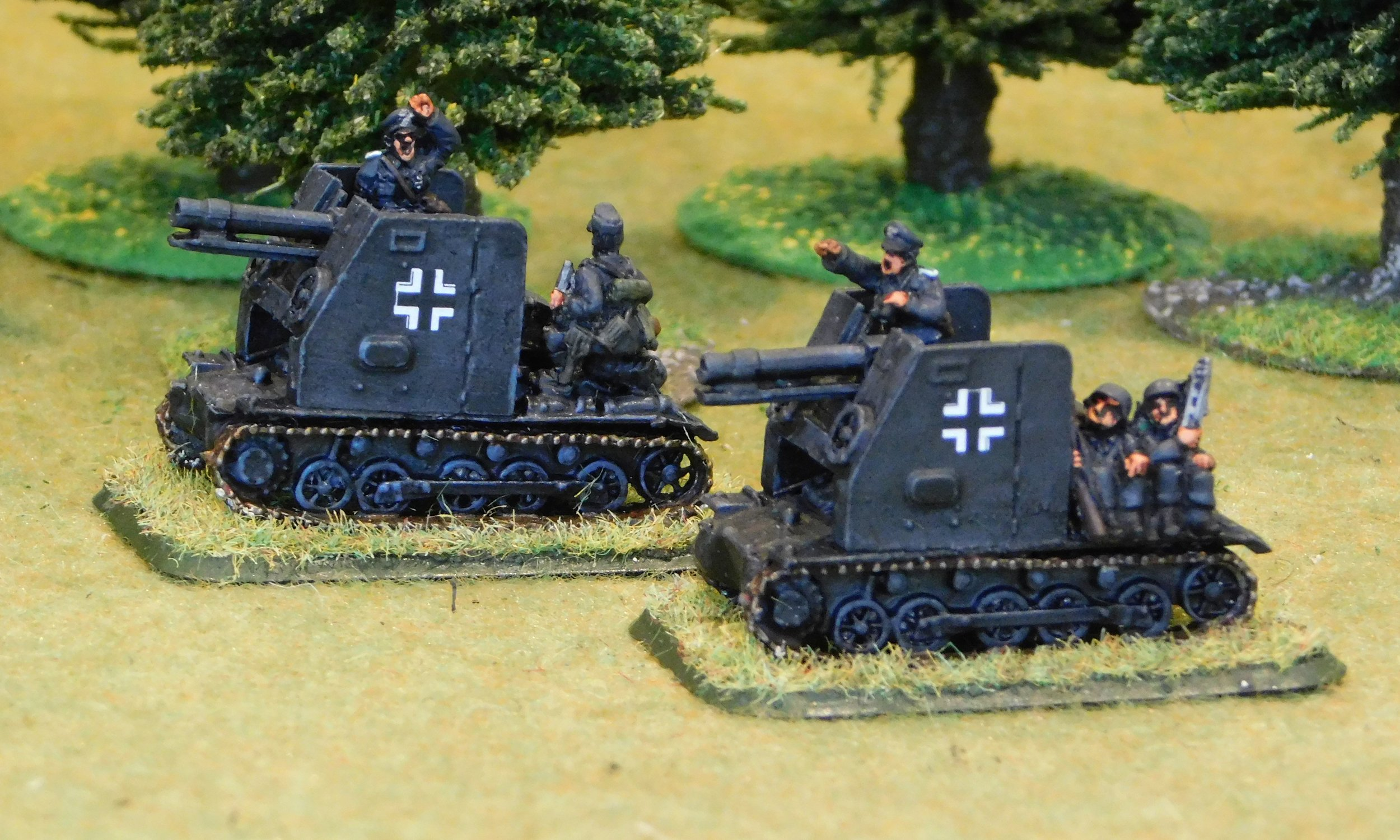 Self-Propelled Gun Platoon (no ammunition trailers)