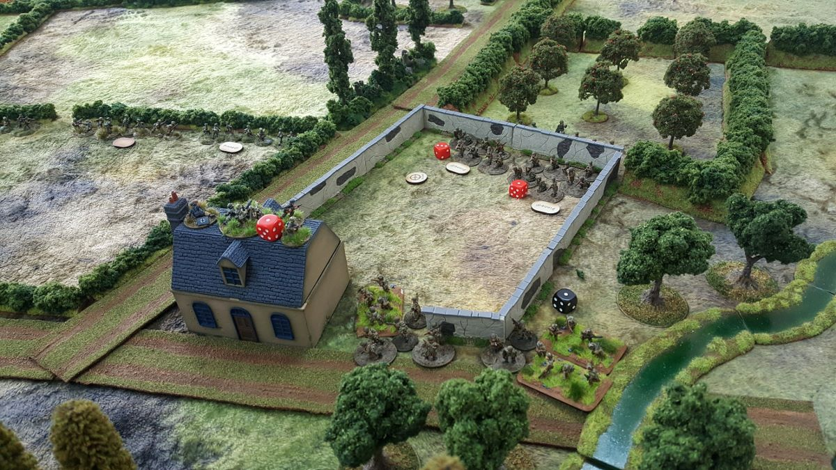 US activations were kind and they flooded the courtyard, but German mortars landed precisely where needed and they, along with the MG-42, inflicted serious casualties on the US platoon from the orchard. However, the flanking move was already in place...