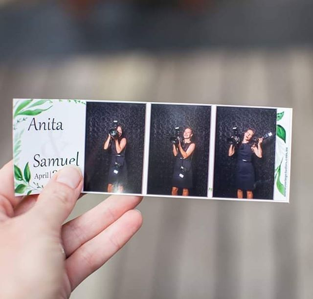 Jumping in the #photobooth at Sam and Anitas #wedding #weddphotographer #brisbaneweddingphotographer #sunshinecoastweddingphotographer #goldcoastweddingphotographer