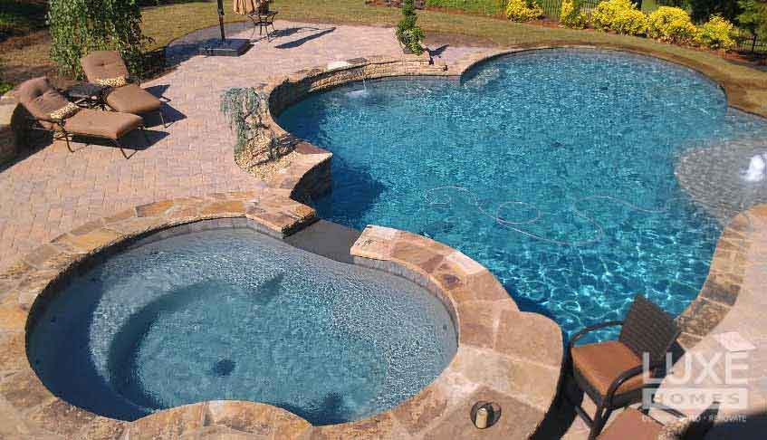 LuxeHomesPro_pool3.JPG