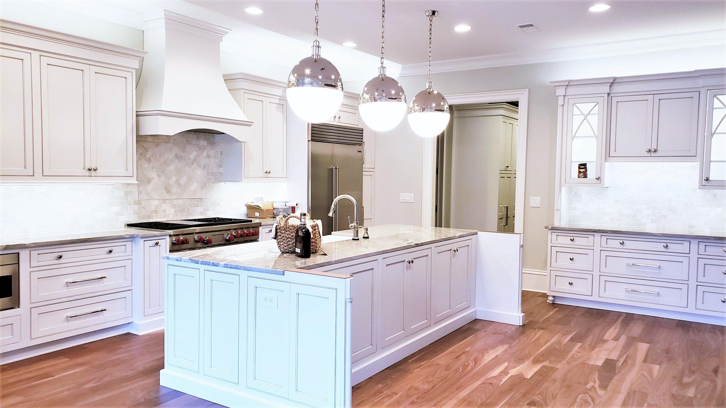 LUXE Homes Pro 005 kitchen.jpg
