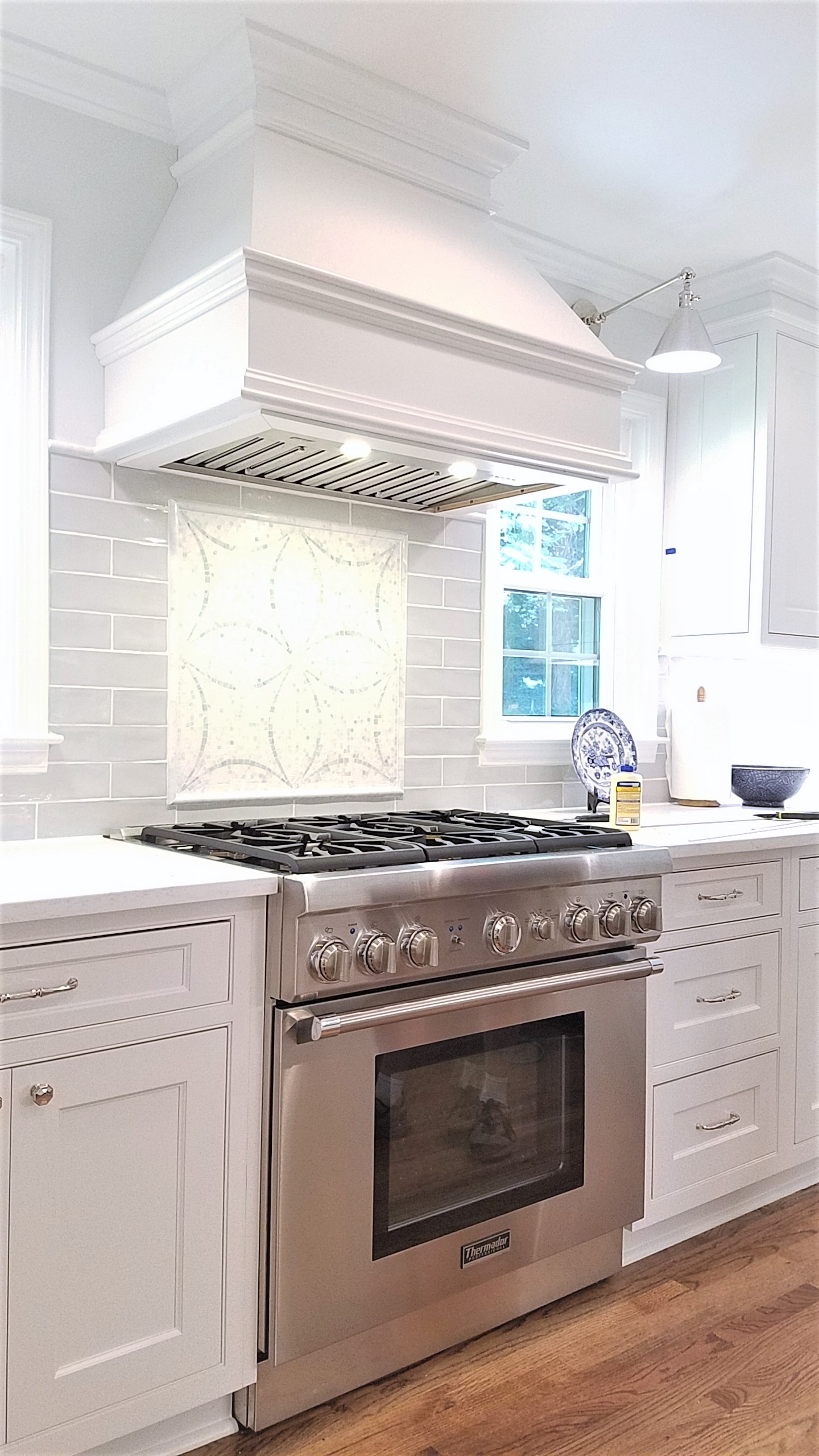 LUXE Homes Pro 026 kitchen range hood.jpg