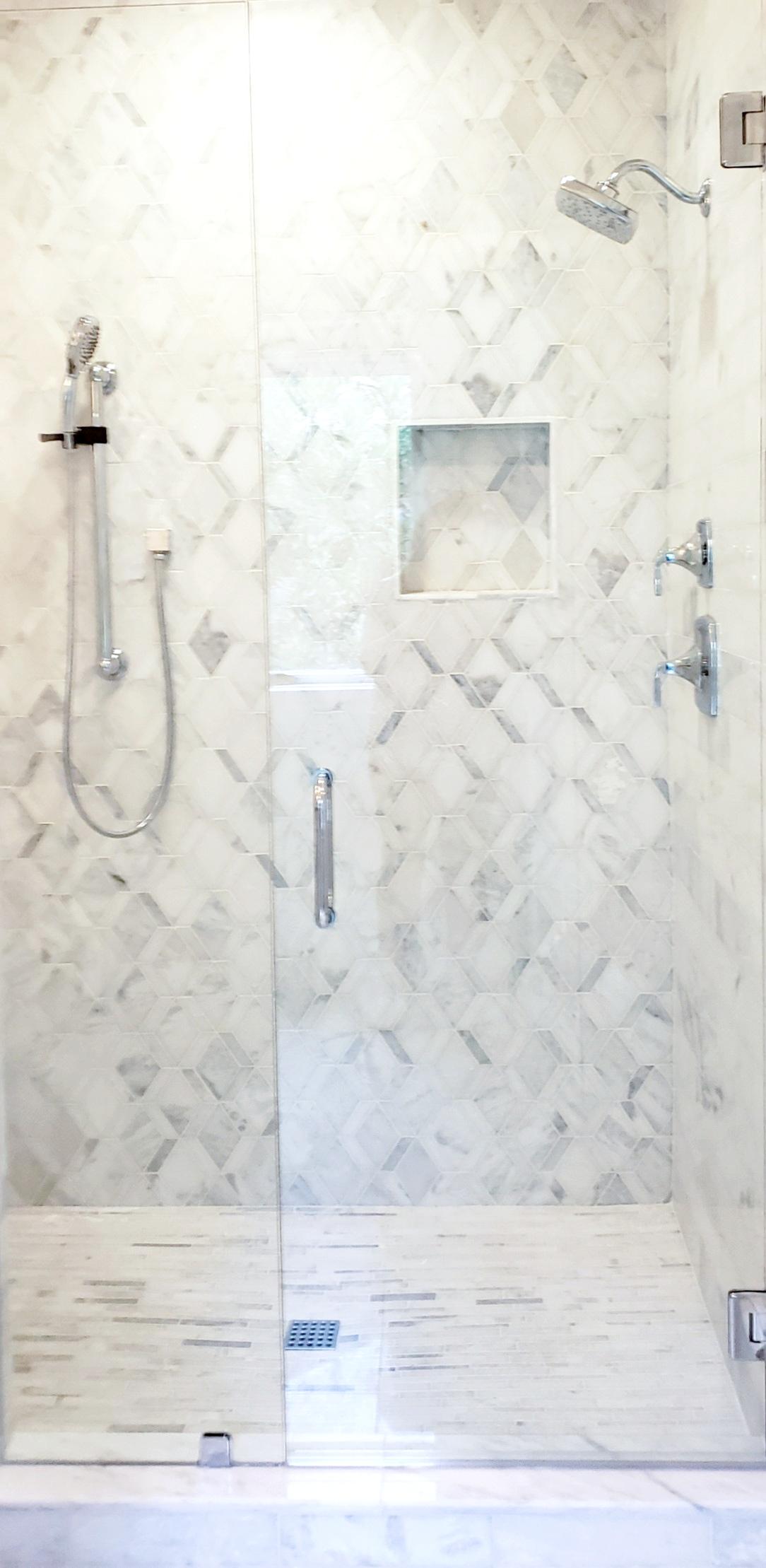 LUXE Homes Pro 030 shower.jpg