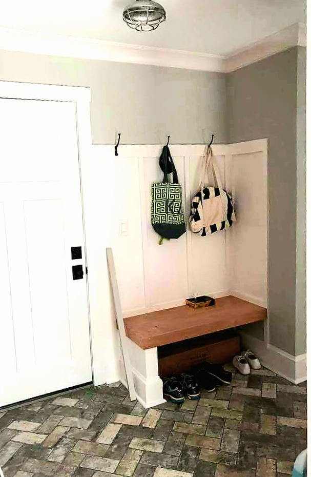 LUXE Homes Pro 032a mudroom.jpg