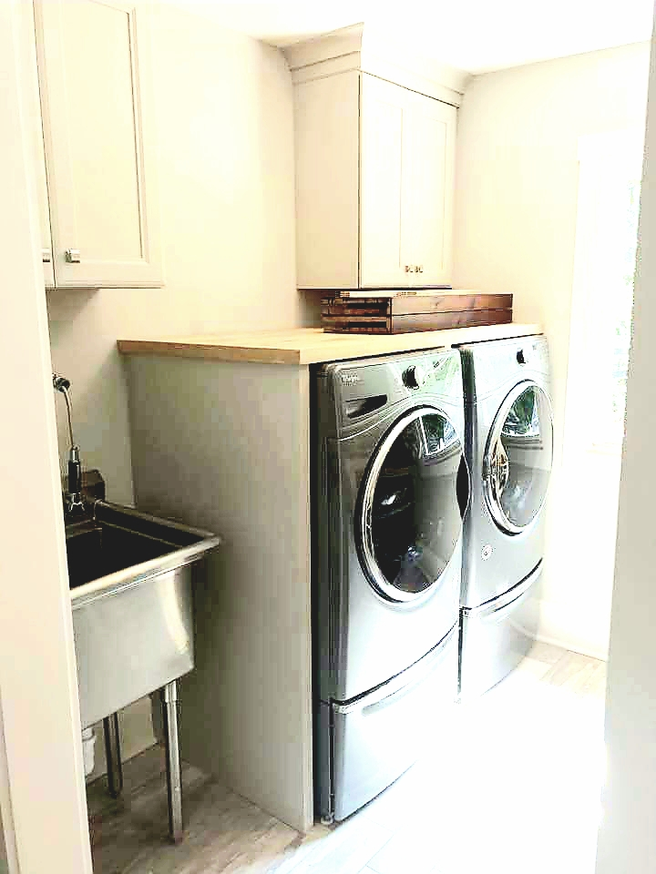LUXE Homes Pro 033 laundry.jpg