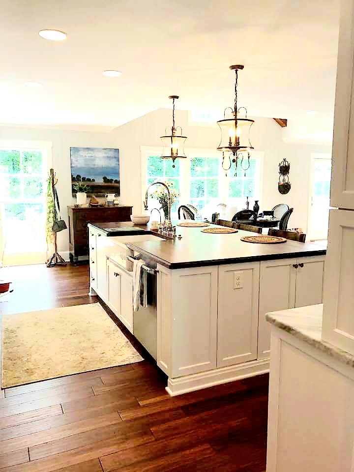 LUXE Homes Pro 034 kitchen island.jpg