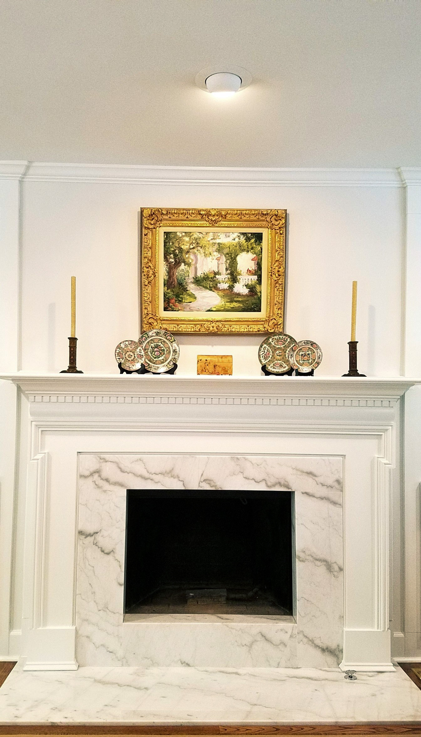 LUXE Homes Pro 036 fireplace marble surround.jpg
