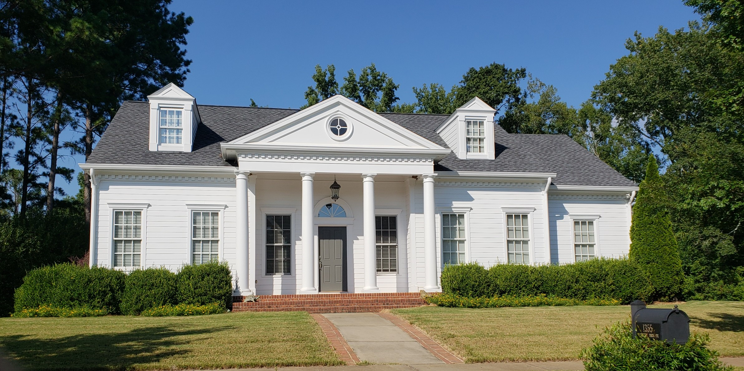 LUXE Homes Pro 038 house classical.jpg