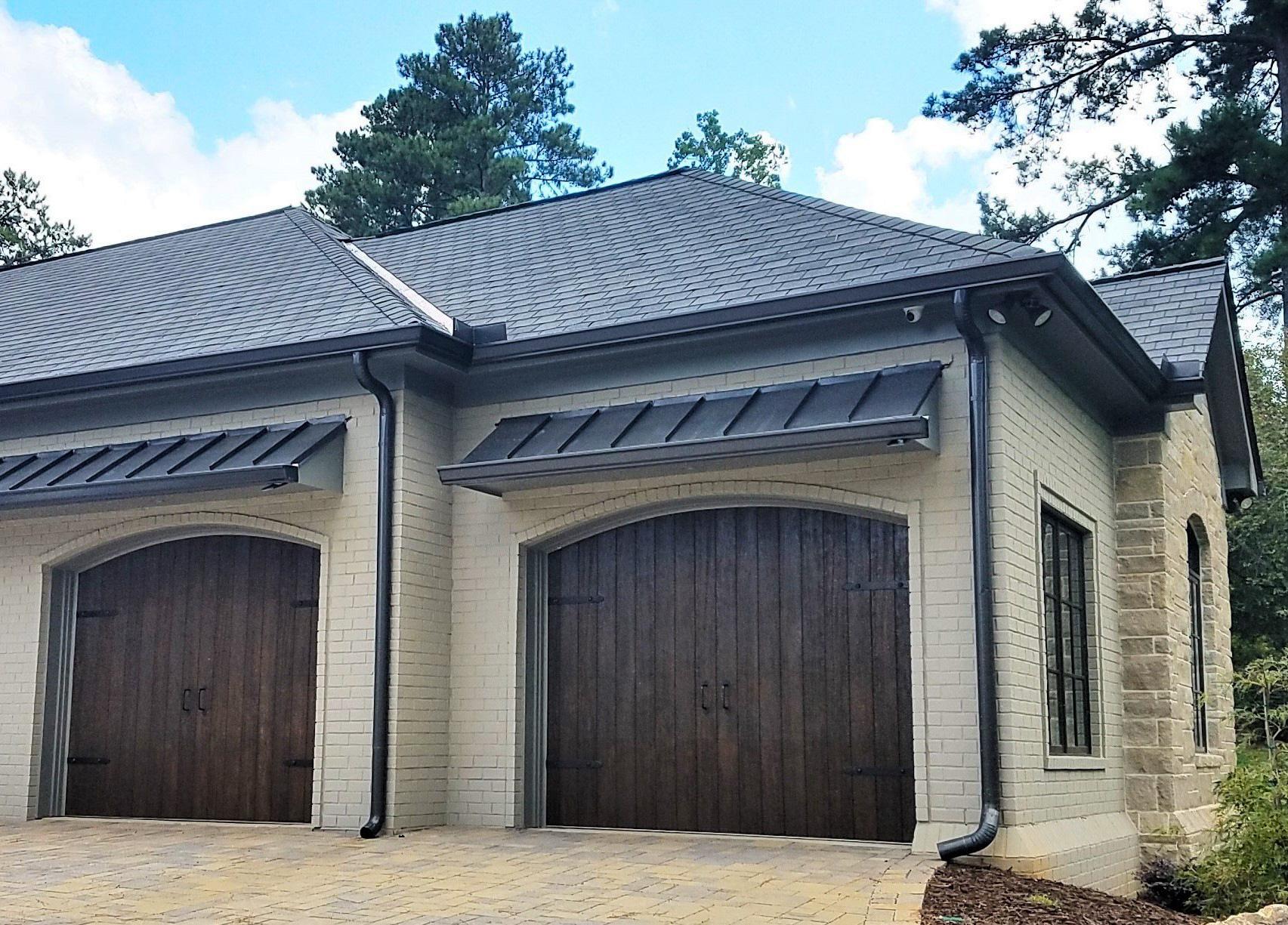 LUXE Homes Pro Front Facade 1D-Custom Garage Doors.jpg